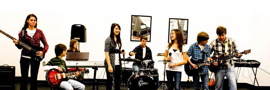 Lớp học piano và organ cho người lớn thanh thiếu niên